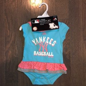 NY Yankees 3 piece Bodysuit Set